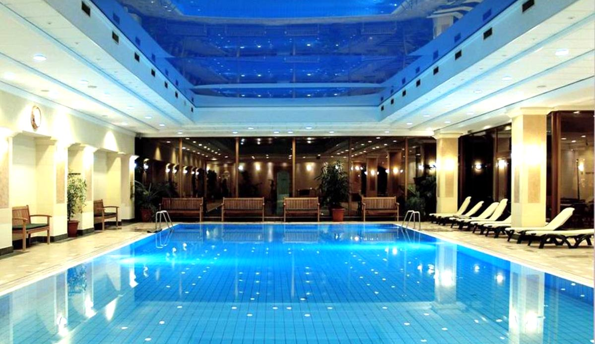 Budapest spaweekend spa thermalbad spa hotell i for A list salon budapest