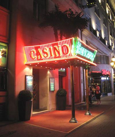 Budapest-casino-voros-marty
