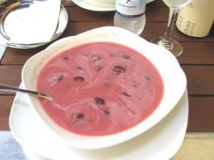 Körsbärssoppa - en ungersk kulinarisk klassiker!