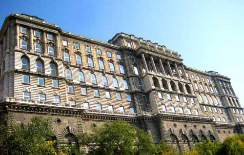 Kungliga-slottet-Budapest